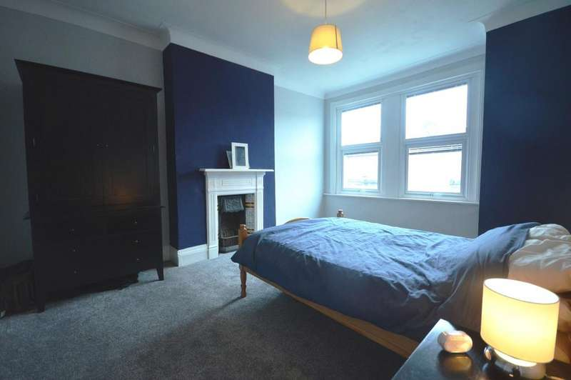 3 Bedrooms Terraced House for sale in Torridon Road Catford SE6