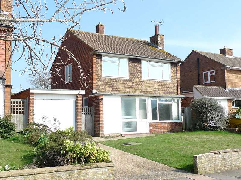 3 Bedrooms Detached House for sale in Glendale Avenue, Eastbourne, BN21