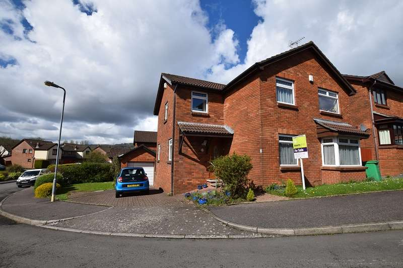 4 Bedrooms Detached House for sale in Copperfield Drive, Thornhill, Cardiff. CF14 9DD