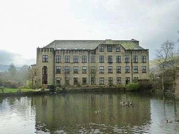 2 Bedrooms Apartment Flat for sale in 65 Willow Bank, Uppermill, OL3