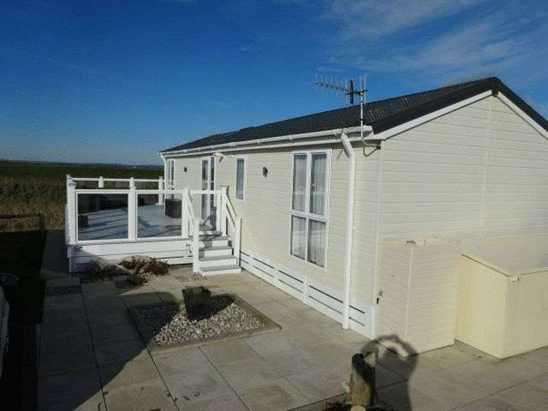 2 Bedrooms Property for sale in West Sands - Mill Lane, Selesy, Chichester