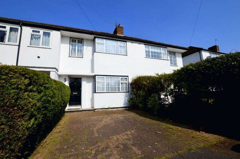 3 Bedrooms Terraced House for sale in Boxtree Road, Harrow Weald