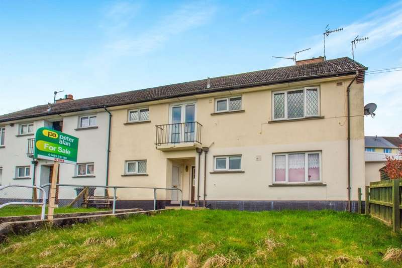 2 Bedrooms House for sale in Hector Avenue, Crumlin, Newport