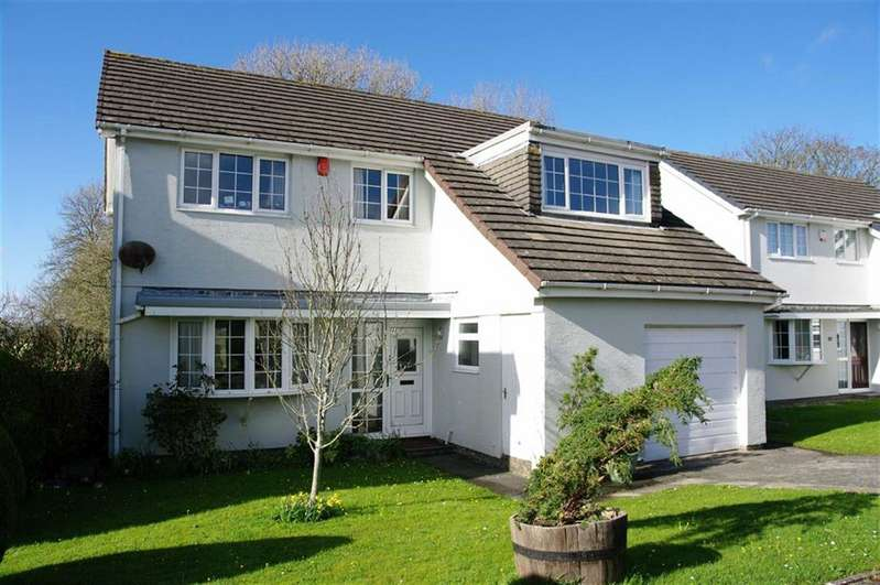 4 Bedrooms Detached House for sale in Clover Park, Haverfordwest