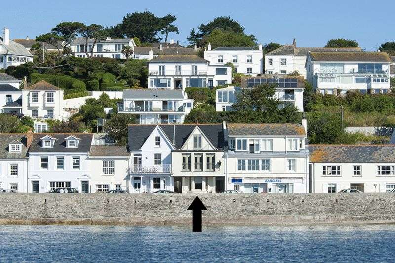 5 Bedrooms Terraced House for sale in St Mawes Waterfront
