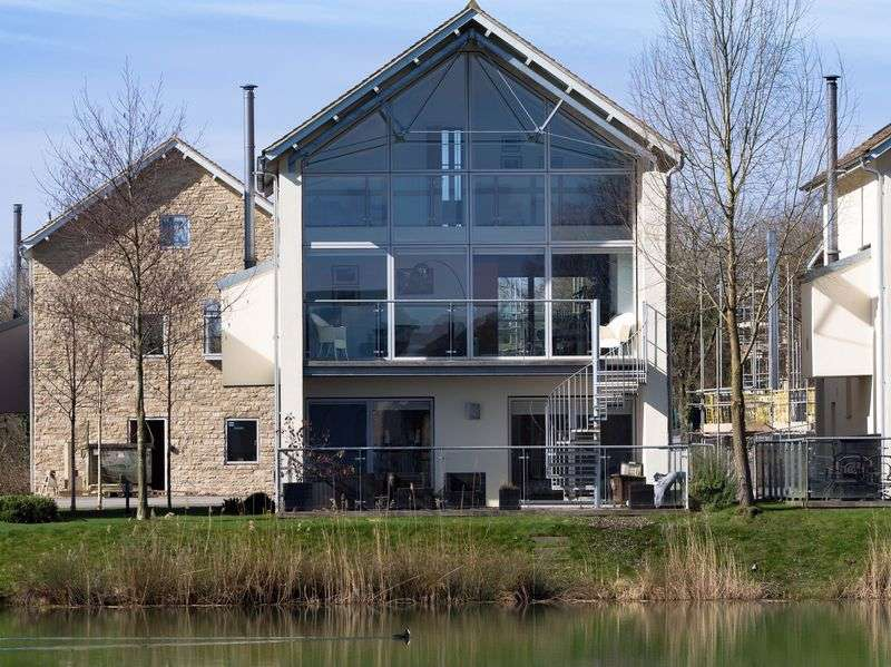 4 Bedrooms Detached House for sale in Breathtaking holiday home on this award winning estate.