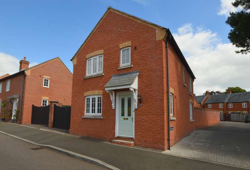 3 Bedrooms Detached House for rent in St Leonards, Exeter