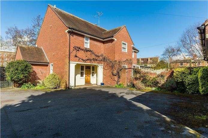 4 Bedrooms Detached House for sale in Park Lane, Saffron Walden, Essex