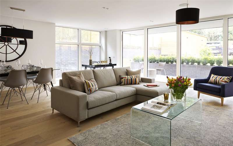 2 Bedrooms Flat for sale in Willesden Lane, London, NW6