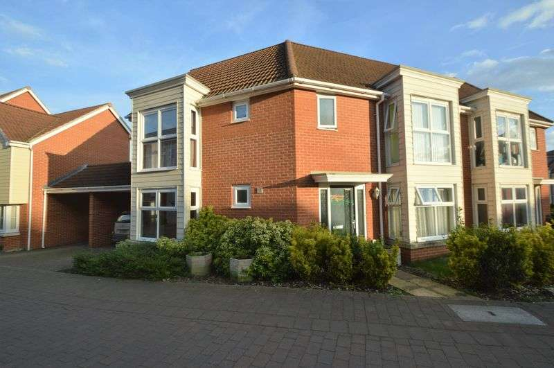 3 Bedrooms House for sale in Solario Road, Norwich