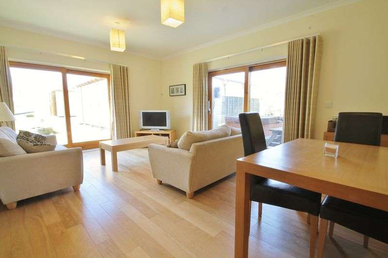 2 Bedrooms Terraced House for sale in Oaksey Park, Oaksey, Wiltshire