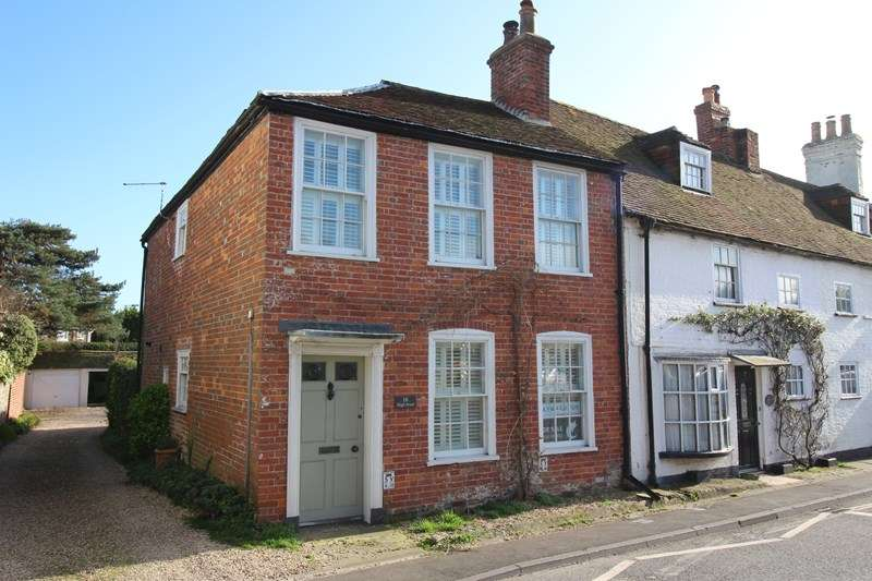 3 Bedrooms Cottage House for sale in High Street, Milford On Sea, Lymington
