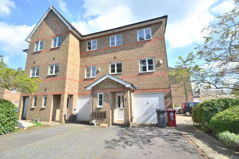 4 Bedrooms Town House for rent in Cintra Close, Reading