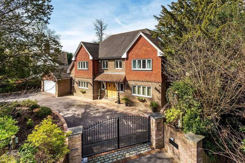 6 Bedrooms Detached House for sale in Woodhurst Lane, Oxted