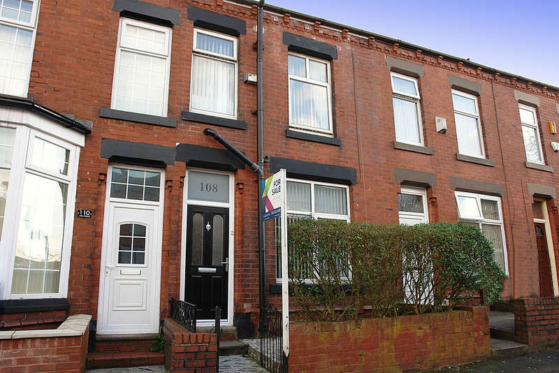 4 Bedrooms Terraced House for sale in 108 Villa Road, Oldham