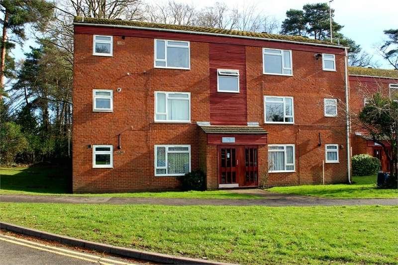 2 Bedrooms Flat for sale in Elizabeth Close, Bracknell, Berkshire