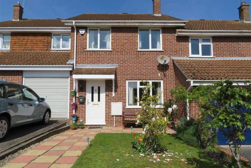 3 Bedrooms Terraced House for sale in Elder Close, Tilehurst, Reading