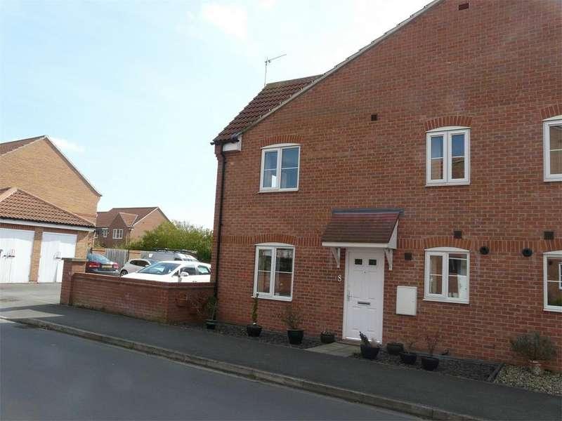 2 Bedrooms End Of Terrace House for sale in Derek Vivian Close, Pocklington, York