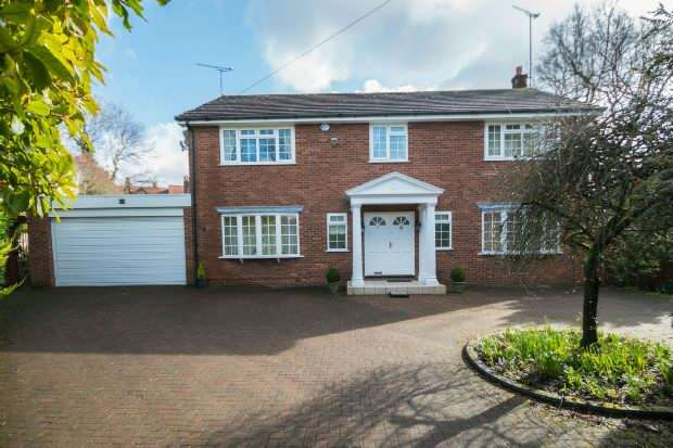4 Bedrooms Detached House for sale in Cambridge Road, Hale