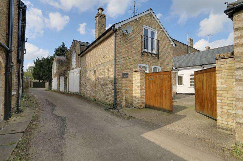 4 Bedrooms House for sale in Chantry Lane, ELY