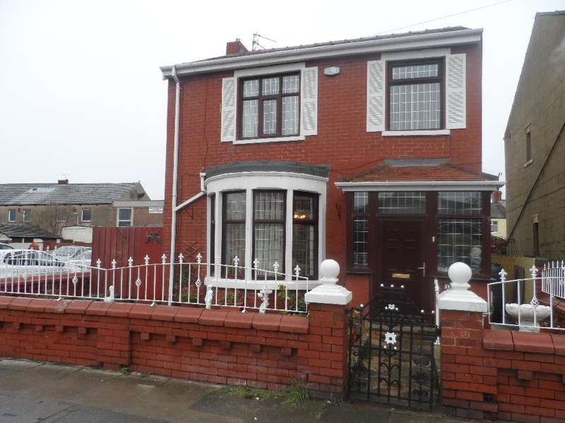 3 Bedrooms Detached House for sale in Ansdell Road, Blackpool, FY1 6PE