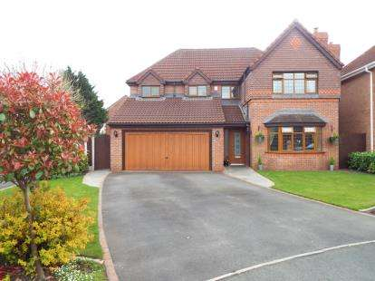 4 Bedrooms Detached House for sale in Fareham Close, Walton-Le-Dale, Preston, Lancashire