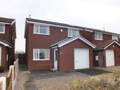 3 Bedrooms Detached House for sale in Langton Close, Leyland