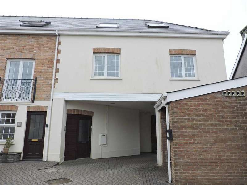 2 Bedrooms Property for sale in Brodog Court, Fishguard