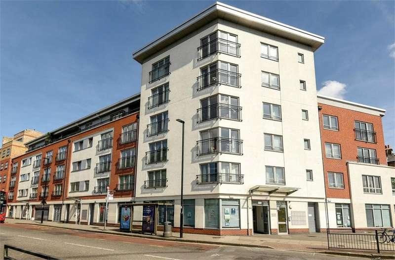 1 Bedroom Flat for sale in Lido House, Northfield Avenue, London