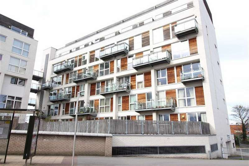 2 Bedrooms Flat for sale in Broad Road, Sale