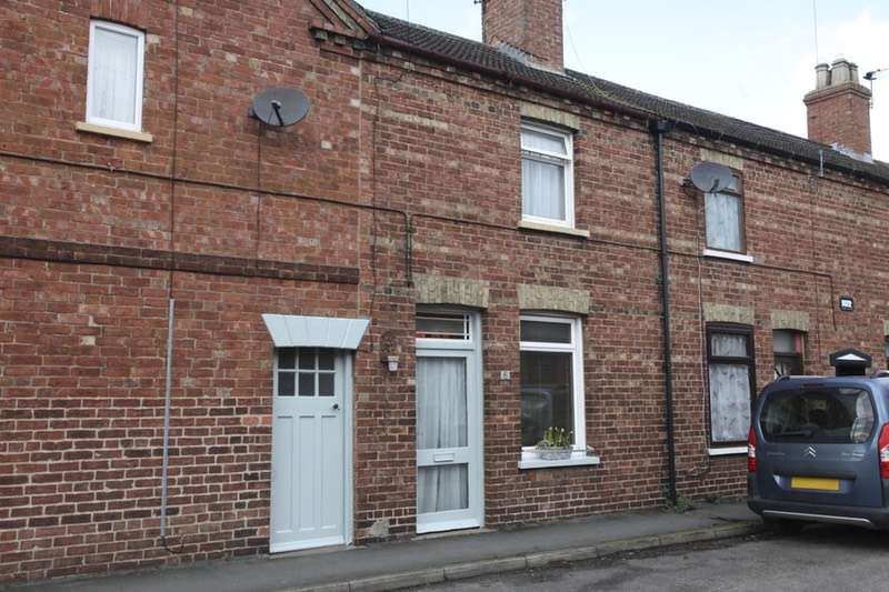 2 Bedrooms Terraced House for sale in Chapman Street, Market Rasen, Lincolnshire, LN8