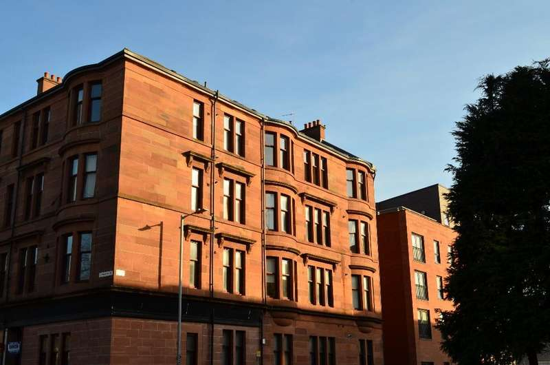 1 Bedroom Flat for sale in Dumbarton Road, Flat 3/2, Whiteinch, Glasgow, G11 6NB