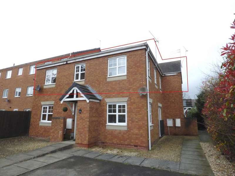 2 Bedrooms Flat for sale in Moccasin Way, Stafford