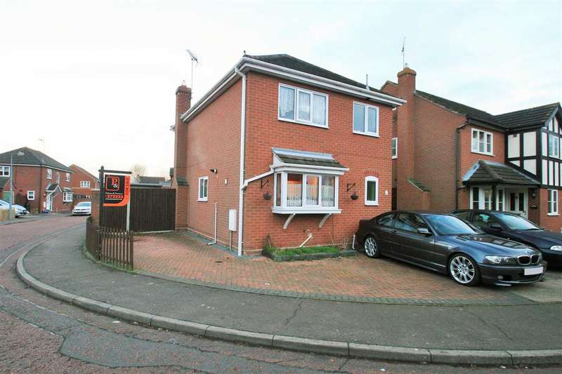 3 Bedrooms Detached House for sale in Beaumont Close, Colchester