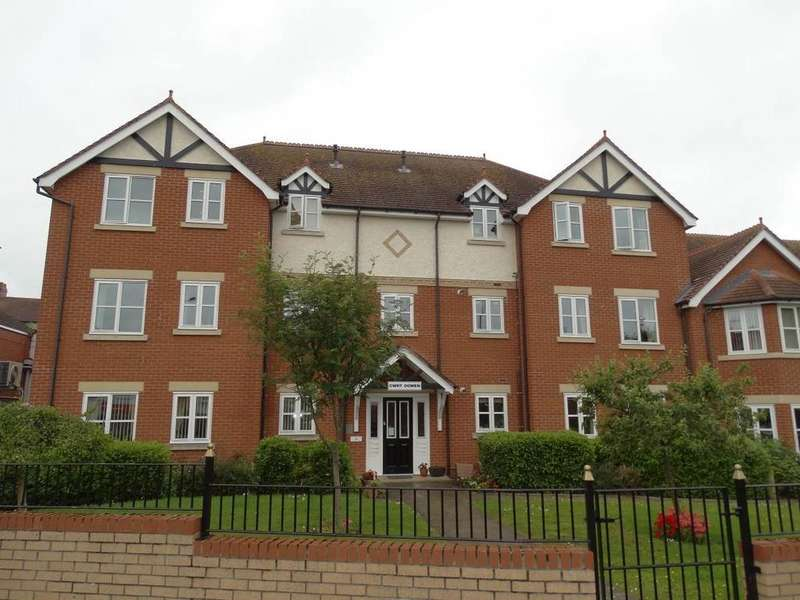 2 Bedrooms Ground Flat for sale in Flat 8 Cwrt Ogwen, Rhos on Sea, LL28 4RD