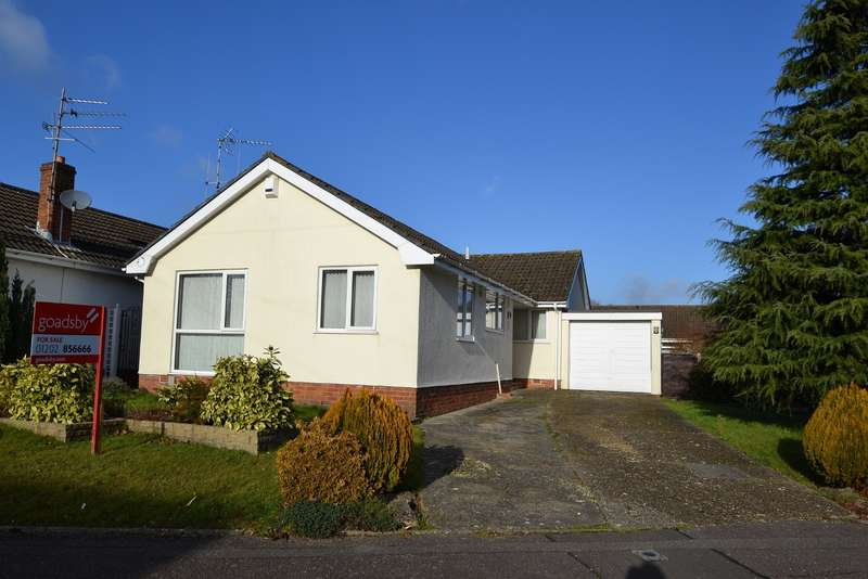 3 Bedrooms Detached Bungalow for sale in Bearwood