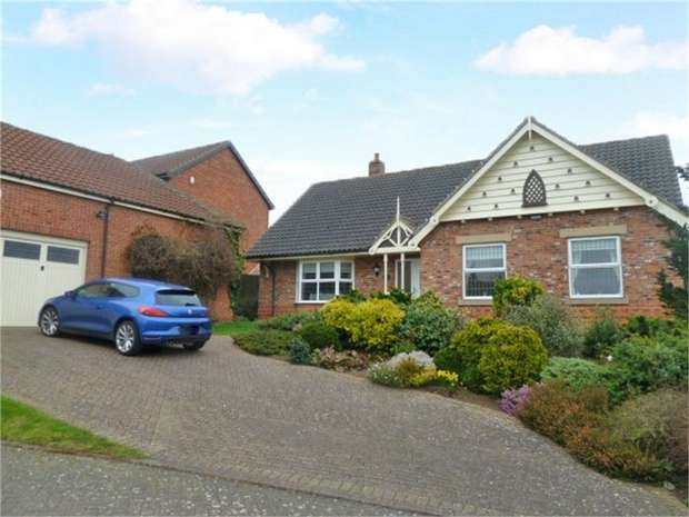 3 Bedrooms Detached Bungalow for sale in Crackle Hill, Westwoodside, Doncaster, Lincolnshire