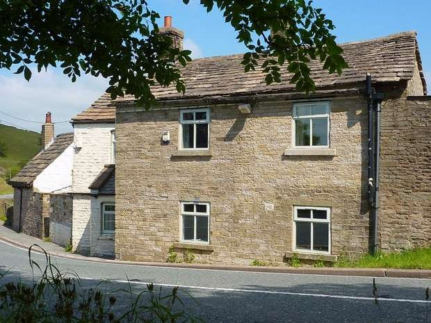 4 Bedrooms Detached House for sale in The Old Post House, Walker Barn, Macclesfield, Cheshire