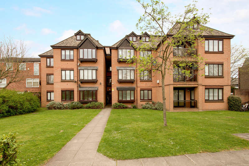 1 Bedroom Flat for sale in Coombe Lane West, Kingston Upon Thames, KT2