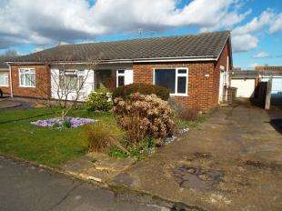 2 Bedrooms Bungalow for sale in Park Way, Coxheath, Maidstone, Kent