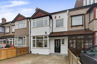 3 Bedrooms Terraced House for sale in Sherwood Avenue, London
