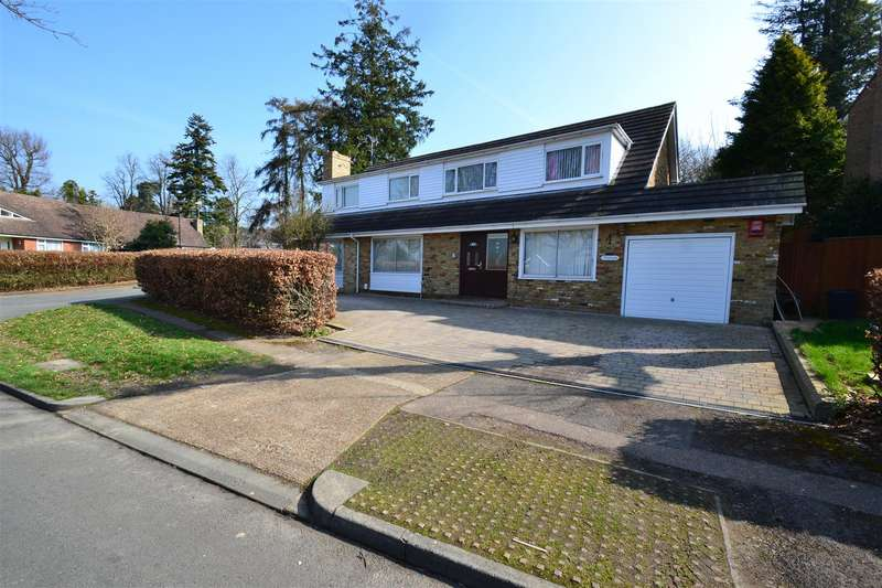 5 Bedrooms House for sale in Blackwater Lane, Crawley