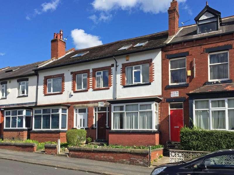 6 Bedrooms Terraced House for sale in Estcourt Avenue, Headingley, Leeds 6