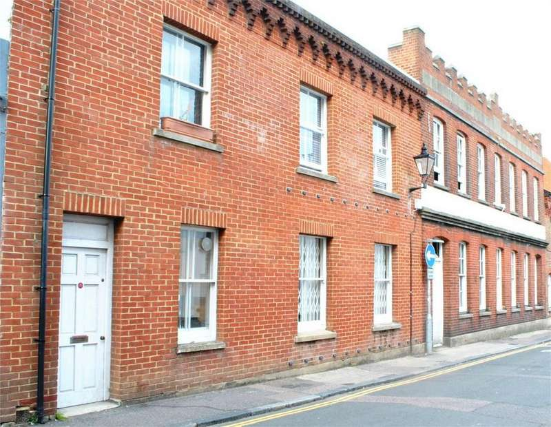 2 Bedrooms Maisonette Flat for rent in Gloucester Road, Brighton, East Sussex