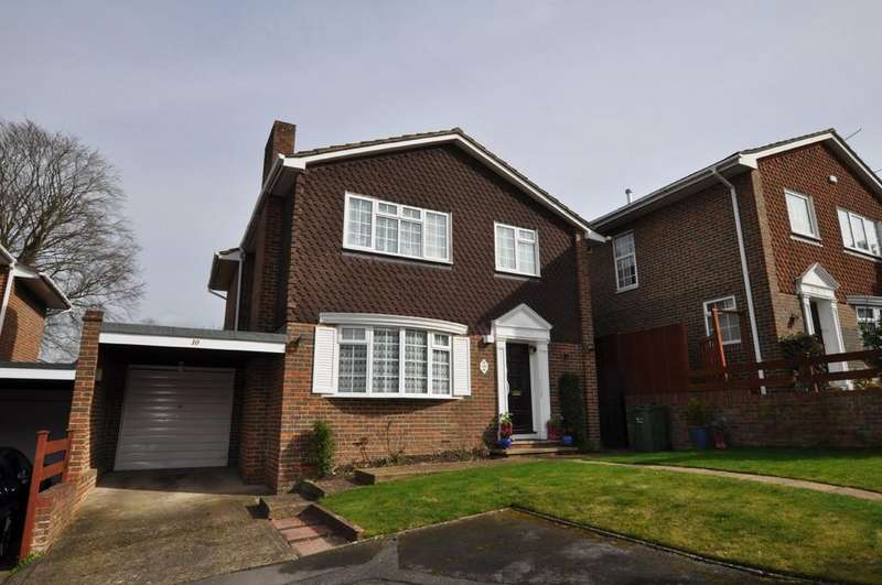 4 Bedrooms Link Detached House for sale in Rosetrees, Guildford