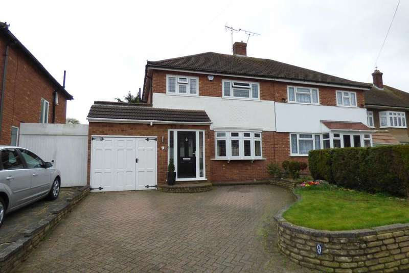 4 Bedrooms Semi Detached House for sale in Upminster RM14