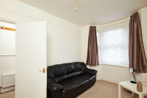 2 Bedrooms Terraced House for sale in Rucklidge Avenue, Harlesden, London