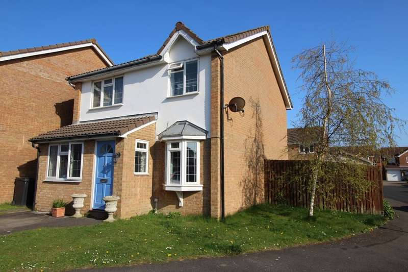 4 Bedrooms Detached House for sale in Boston Close, Eastbourne, BN23