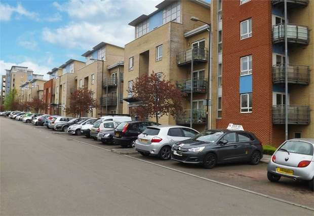 2 Bedrooms Flat for sale in Wellspring Crescent, Wembley, Greater London