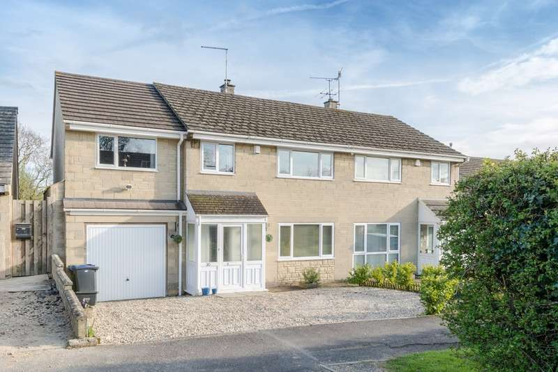 4 Bedrooms Semi Detached House for sale in Oakleaze, Minety